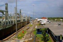 Gatun ferme à clef le canal de Paanama Photos stock