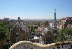 Gaudi公园的Guell华而不实的屋在巴塞罗那 免版税库存图片