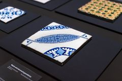 Gaudi ` s展览会提出走与建筑师` s个人财产和测试mo的Gaudi的永久陈列 库存图片