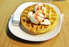 Gaufre de crème glacée  Photos libres de droits