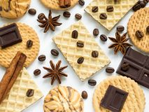 Gaufres assorties de cannelle de café d'étoile d'anis de biscuit Photo libre de droits