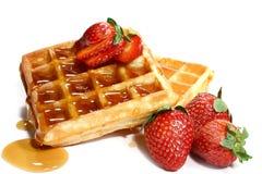 Gaufres et fraises Photographie stock libre de droits