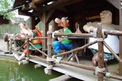 Gauls w prętowe lale od Epidemais Croisiere przyciągania przy Parkowym Asterix, ile de france, Francja Obrazy Stock