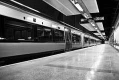 Gautrain - HochgeschwindigkeitsNahverkehrszug - BW Stockbilder