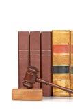 gavel βιβλίων παλαιός ξύλινος &n στοκ φωτογραφία με δικαίωμα ελεύθερης χρήσης