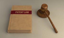Gavel και διπλωμάτων ευρεσιτεχνίας βιβλίο νόμου Στοκ φωτογραφία με δικαίωμα ελεύθερης χρήσης