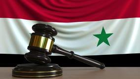 Gavel και φραγμός δικαστή ενάντια στη σημαία της Συρίας Συριακή εννοιολογική ζωτικότητα δικαστηρίων φιλμ μικρού μήκους