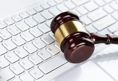 Gavel au clavier Photo stock