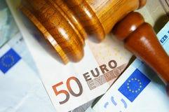 Gavel et euro notes Photos stock