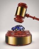 Gavel frappant le scarabée de VW Photographie stock