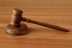 Gavel on a wood surface Royalty Free Stock Photos