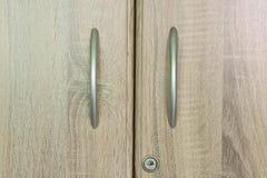 Gaveta de madeira do vestuário de Brown com um buraco da fechadura Fotografia de Stock