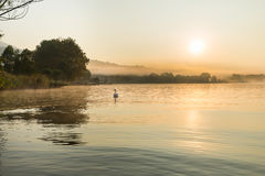 Gavirate en het meer van Varese, provincie van Varese, Italië Stock Afbeeldingen