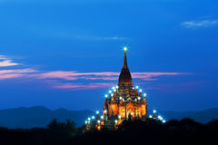 Gawdawpalin-Pagode in der Dämmerung in Bagan, Myanmar Stockfotos