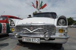GAZ 13柴卡 免版税图库摄影