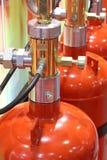 Gaz automatique s'éteignant l'installation Systèmes extincteurs de gaz modulaire images stock