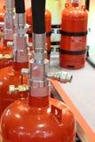 Gaz automatique s'éteignant l'installation Systèmes extincteurs de gaz modulaire images libres de droits