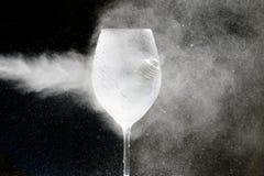 Gaz blanc dans un verre photo stock