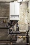 Gaz de condensation de chaudière dans la chaufferie Photos stock