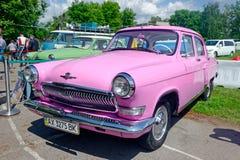 GAZ M21伏尔加河葡萄酒车的储蓄图象 库存图片