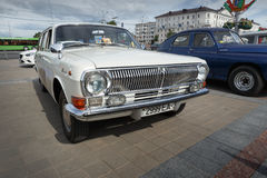 GAZ M24 Volga Arkivbilder