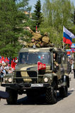 GAZ militare con gli attori sotto forma di grande guerra patriottica Immagine Stock Libera da Diritti