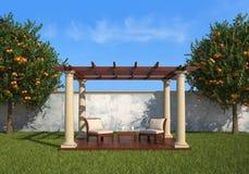 Χαλαρώστε στον κήπο κάτω από ένα gazebo ελεύθερη απεικόνιση δικαιώματος