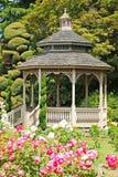 gazebo сада деревянный Стоковые Изображения