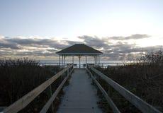 Gazebo auf Strand Stockfoto
