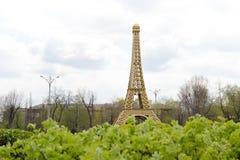 Gazebo bajo la forma de torre Eiffel Fotografía de archivo libre de regalías