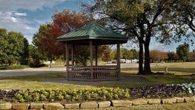 Gazebo bij het park royalty-vrije stock afbeeldingen
