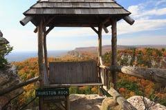 Gazebo de la roca de Thurston en otoño Imagenes de archivo