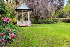 Gazebo en el jardín Charleston South Carolina Fotografía de archivo libre de regalías