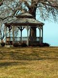 Gazebo en el lago Ontario Fotos de archivo libres de regalías