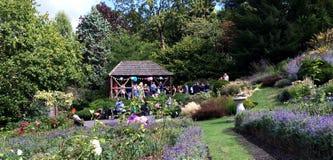 Gazebo en jardines de la terraza Fotografía de archivo libre de regalías