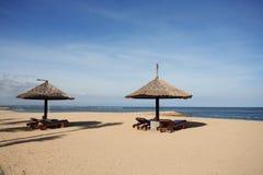 Gazebo en la playa hermosa Fotos de archivo libres de regalías
