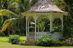 Gazebo en Shaw Park Botanical Gardens fotografía de archivo libre de regalías