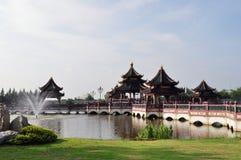 Gazebo för traditionell kines Arkivfoton