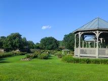 Gazebo i den Norfolk botaniska trädgården Royaltyfria Foton