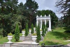 Gazebo im Kurpark von Kislovodsk im Tal von Rosen Stockfoto
