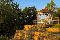 Gazebo im Park Stockbilder