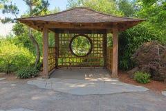 Gazebo im Tsuru-Insel-Japaner-Garten Lizenzfreies Stockfoto