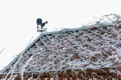 Gazebo met een haan op het dak Royalty-vrije Stock Afbeeldingen