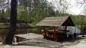 Gazebo relaksować w wiosna lesie Obrazy Royalty Free