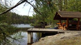 Gazebo relaksować w wiosna lesie Zdjęcia Royalty Free