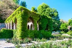 Gazebo situato nella precedente residenza della regina rumena Maria Fotografia Stock