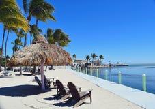 Gazebo z krzesłami na plaży w Floryda Obraz Royalty Free