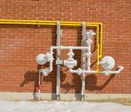 Tuyaux extérieurs de régulateurs de gazoduc Photographie stock