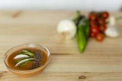 与它的成份的安达卢西亚的gazpacho 库存图片