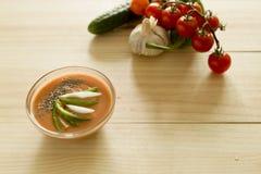 与它的成份的安达卢西亚的gazpacho 免版税库存照片